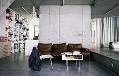 In Berlin ist der Architekt Arno Brandlhuber spätestens seit dem Umbau der Brunnenstraße 9 (Galerienhaus KOW) bekannt. Beton repräsentiert das moderne Leben.