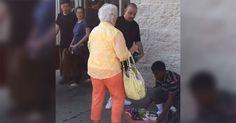 Esta anciana acosa a una niña que vende dulces ahora mira lo que hace el hombre de negro  #viral