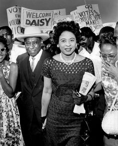 Daisy Lee Gatson Bates (November 1914 – November was an American civil rights activist, publisher, journalist, and lecturer who played a leading role in the Little Rock Integration Crisis of Black History Facts, Black History Month, Barack Obama, Kings & Queens, Ukraine, Civil Rights Activists, By Any Means Necessary, Civil Rights Movement, African American Women