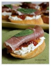 Crostini with goat cheese, prosciutto & fig jam | Pair with French-style Rosé (Andis 2014 Belle en Rosé)
