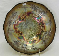 Lot # : 51 - Stag & Holly lg size IC shaped bowl - amethyst