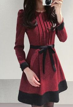 This 2014 Elegant Women Dress Color Block Long Sleeve Round Collar Regular Dress is cozy and stylish, you will be captivating and fee… Elegant Dresses For Women, Simple Dresses, Mini Dresses, Pretty Outfits, Beautiful Outfits, Unique Fashion, Fashion Design, Mode Hijab, Elegant Outfit