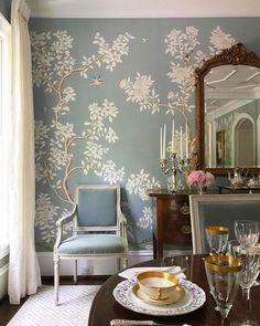 Traditional Tablescapes - Love this timeless dining room with Gracie Chinoiserie wallpaper wallpaper Traditional Tablescapes - The Glam Pad Dining Room Wallpaper, Dining Room Walls, Dining Room Design, Dining Room Furniture, Wall Paper Dining Room, Space Furniture, Furniture Stores, Luxury Furniture, Modern Furniture