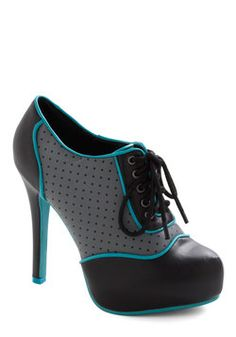 Oxford/spectator heels