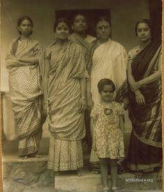 Rare family photo: M.S. Subbulakshmi with her sister Vadivambal, mother Shanmugavadivu and Radha - 1940s