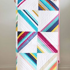 Monday, monday...we will be debuting 6 new patterns. 2 of them are made with #VandCoOmbre. In this #HangTenQuilt pattern we used the ombre length wise so it looked like we used a lot of solids in many different shades. I absolutely love the versatility of #VandCoOmbre and I love this quilt