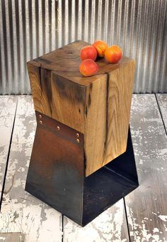 ben-gatsky-reclaimed-barn-wood-metal-table