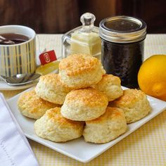 Beautifully light and tender little lemon scones that go together particularly well with wild blueberry jam. Perfect for weekend brunch or morning coffee.