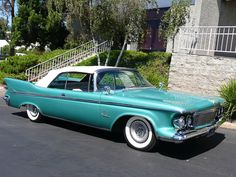 1961 Chrysler Imperial Convertible I have never seen one this color before and I love it! See more about Classic cars, Crowns and Cars. Alfa Romeo Quadrifoglio, Maserati Granturismo S, Chrysler Voyager, Maserati Ghibli, Mclaren P1, Vintage Cars, Antique Cars, Convertible, Classic Car Restoration
