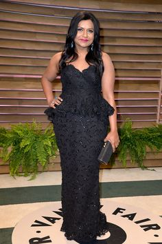 Mindy Kaling attends the 2014 Vanity Fair Oscar Party hosted by Graydon Carter on March 2, 2014 in West Hollywood, California.