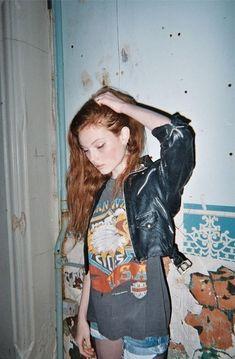 Charakter-Inspiration: Tante Lucy. Was ist mit ihrer Schwester passiert? Kennt sie Jills #Geheimnis? Findet es heraus auf Meinem Blog ---> http://kateslittlesweetthings.blogspot.de/p/nur-ein-einziges-wort-von-dir.html  Fanfiktion.de ---> http://www.fanfiktion.de/s/55b3e4a200020273315ef210/1/Nur-ein-einziges-Wort-von-dir- Wattpad ---> https://www.wattpad.com/story/45624768-nur-ein-einziges-wort-von-dir #buch #nureineinzigeswortvondir #inspiration #thriller #mystery #jugendbuch