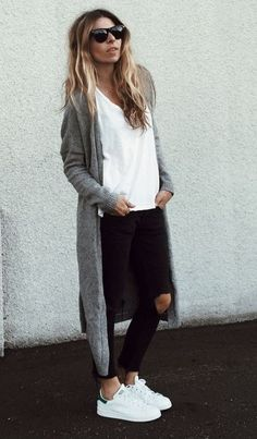 Flawless White Sneaker Outfits Ideas For Beautiful Women Style Adrette Outfits, Sneaker Outfits Women, Winter Outfits, Casual Outfits, Fashion Outfits, Womens Fashion, Lazy Day Outfits For Summer, Look Fashion, Unique Fashion