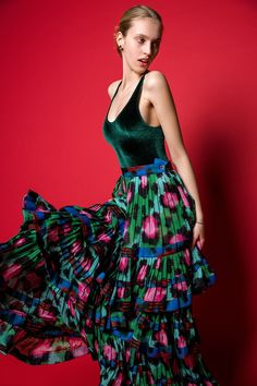Maxi volány Dresses, Fashion, Fashion Styles, Dress, Fashion Illustrations, Gown, Trendy Fashion, Outfits, Gowns