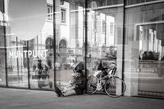 #bruxellesmabelle #peopleareawesome #wearetheluckyones #brussels #streetphotography #igerslux #bxl #streetphoto #street #streetlife #streetshot #streetlifestyle #igersluxembourg #welovebrussels #brusselslive #visitbrussels #worldplaces #wanderlust #urban #urbanphotography #urbanphoto #street #ig_street #cities #dezpx #dezpx_street #socialdocumentary #dezpx_bxl #igersbrussels #urbanstreetdiving (hier: Muntpunt)