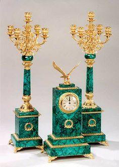 Mantelpiece Clock Russia, Malachite and bronze; mosaic and gilded Old Clocks, Antique Clocks, Vase Cristal, Granite Stone, Objet D'art, Candlesticks, Antique Furniture, Decorative Accessories, Bronze