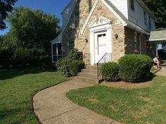 "This cute little house wants someone to call it ""home"" again. | #HomesLouisville #LouisvilleKY  #RealEstateLouisville #RealtorsLouisville  #MichaelThacker  #KentuckySelectProperties  #LuxuryHomes  #RelocatetoLouisville #MLSLouisville#HomesLouisville #RealtorsLouisville  #MichaelThacker  #KentuckySelectProperties #MLSLouisville"