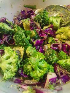 avokádó, lilakáposzta, brokkoli, lilahagyma, olívaolaj, lenmagolaj, fehérborecet