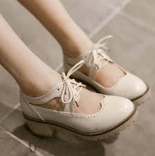 Image result for zapatos de tacon bajito peromoderno antigua