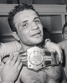 Raging Bull inspiration Jake LaMotta marrying at age of 90 for seventh time | Mail Online