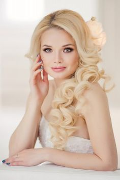 a1cee846d78e 21 stunning wedding hairstyles kate firsova 5 Summer Wedding Hairstyles