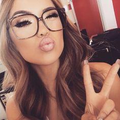 Beauty Inspiration – Great Make Up Ideas Makeup Goals, Beauty Makeup, Eye Makeup, Hair Beauty, Vogue Makeup, Makeup Style, Cute Glasses, Girls With Glasses, Big Glasses Frames