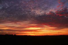 Koop 'zonsopkomst' van Andres Oosdijk voor aan de muur.