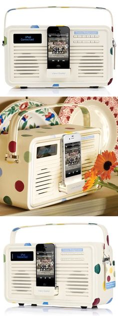 The coolest Retro Polka Dot Ipod Radio, definitely on my wish list! Things To Buy, Girly Things, Things I Want, Radios, Polka Dot Print, Polka Dots, Bicycle Basket, Look Retro, Cool Inventions