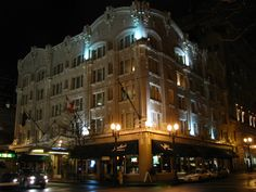 Governor_Hotel_night_-_Portland_Oregon.jpg (2048×1536)