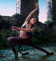 FKA twigs collaborates with Nike on zonal tights campaign.