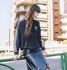 ♡ Straight Bangs, Tokyo Streets, Medium Long Hair, Japanese Girl, Leather Skirt, Street Wear, Glamour, Street Style, Poses