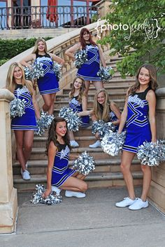 Cheerleading Poses, Cheerleading Cheers, Cheer Poses, Cheerleading Pictures, Cheer Coaches, Senior Cheerleader, Cheer Team Pictures, Team Photos, Cute Kids Photos