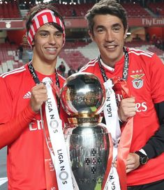 Benfica Wallpaper, Football Love, Soccer Stars, Sports Clubs, Real Madrid, Foto E Video, Captain America, My Photos, Album