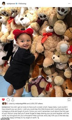 Kylie Jenner's daughter Stormi turns one! Kim Kardashian shares new photo of the child So Cute Baby, Pretty Baby, Baby Love, Cute Kids, Cute Babies, Baby Kids, Photos Kylie Jenner, Moda Kylie Jenner, Looks Kylie Jenner