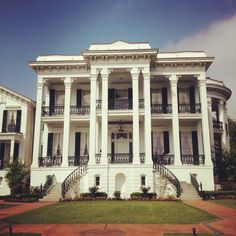 Nottoway Plantation, have a couple very fond & forever memories of this place!! :)