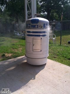 R2D2 grill....Perfect for all those times you wish you had a Star wars robot to grill your meat...
