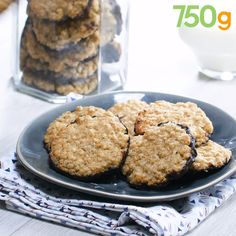 Swedish cookies with oatmeal and chocolate - Cuisine - Gateau Swedish Cookies, Cookie Recipes, Dessert Recipes, Mini Desserts, Desserts With Biscuits, Kolaci I Torte, Tasty Videos, Biscuit Cookies, Tea Cookies