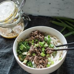 Noodle Bowl with Sesame Dressing (in Finnish)