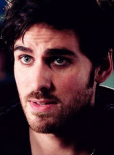 Once Upon a Time #Hook. He needs to stop seducing us fangirls with his eyebrows.