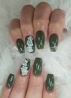 #nailart #flower #green #nails #armygreen #3Dnailart #3D #white #daisy