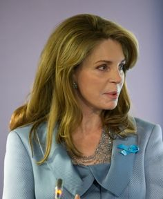 18 Great Hairstyles for Women in Their 60s: Queen Noor of Jordan (1951)