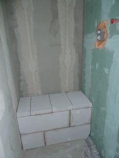 Dusche Sitzbank Gemauert : kein Plumpsklo – es ist die Sitzbank in der Dusche … Shower Bench Walled: no pit toilet – it is the bench in the shower