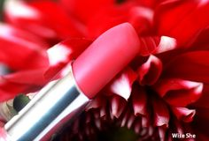 10 Best Coral Lipsticks Available In India
