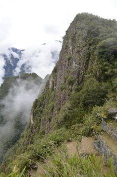 Wall trekking below the Sun Gate toward Machu Picchum