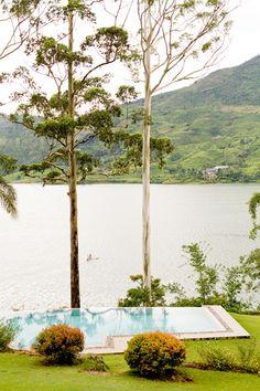 Ceylon Tea Trails @smithhotels -Sri Lanka Honeymoon - Sri Lanka Honeymoon Ideas - http://ruffledblog.com/sri-lanka-and-the-maldives-honeymoon