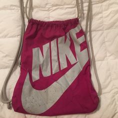 Nike drawstring bag Gently used. Great for the gym and taking it anywhere Nike…