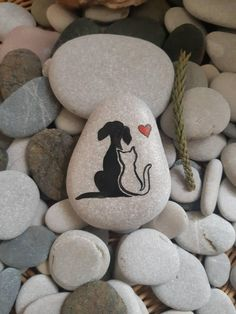 Rock Painting Patterns, Rock Painting Ideas Easy, Rock Painting Designs, Paint Designs, Painted Rock Animals, Painted Rocks Craft, Hand Painted Rocks, Painted Pebbles, Painting Animals On Rocks