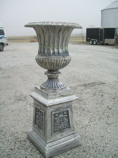A Bester Our Large Venetian With Base Customize Cast Aluminum Planters In 12 Finishes We Ll Ship This Flower Urn