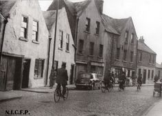 No year for the photo or ownership. It was in the Folklore archives. Old Images, Old Pictures, Old Photos, Dublin Street, Dublin City, Ireland Pictures, Photo Engraving, Dublin Ireland, Book Of Life