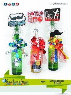 Globos, Flores y Fiestas Candy Arrangements, Cute Surprises, Magic Party, Gift Wraping, Birthday Candy, Candy Bouquet, Ideas Para Fiestas, Jar Gifts, Candy Shop