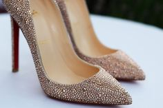 À la mode--beautiful glittery, not gaudy pumps